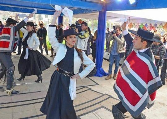 Fiestas patrias, o que fazer em setembro no Chile, fondas