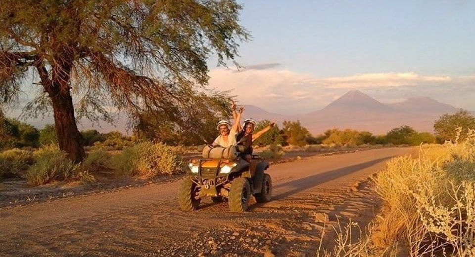 Quadriciclo na Laguna Cejar no Atacama