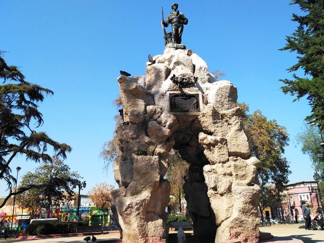 Barrio Yungay, Plaza del roto Chileno, LikeChile