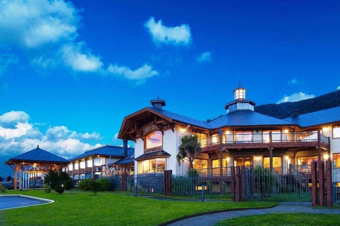 Hotel loberias del sur, patagonia aysen capillas de marmol, Laguna San Rafael tour